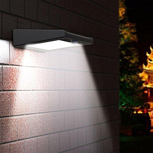 30 LED ソーラーライト Holan センサーライト 防水防犯 人感センサー スポットライト 太陽発電 ウォールライト 壁掛け式 屋外照明 玄関 庭先用