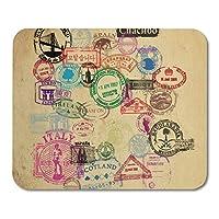 レトロなビンテージパスポートスタンプ休暇古い旅行移民マウスパッド