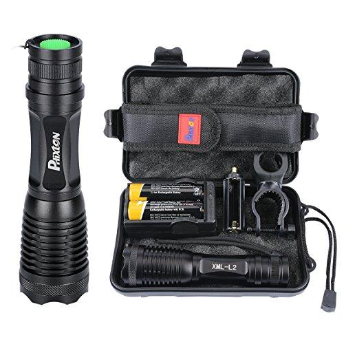 Phixton LED 懐中電灯 XML L2 1200ルーメン アウトドア IPX6 防水 防災 地震対策 ハンディライト 高性能調節可能な焦点距離ズーム式 5モード 充電式 18650 電池 充電器 (2個電池1個充電器付属)