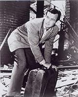 ブロマイド写真★海外ドラマ『逃亡者』鞄を持つリチャード・キンブル(デビッド・ジャンセン)