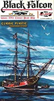 Black Falcon Pirate Ship Classic 1:100 Scale Plastic Model Kit [並行輸入品]