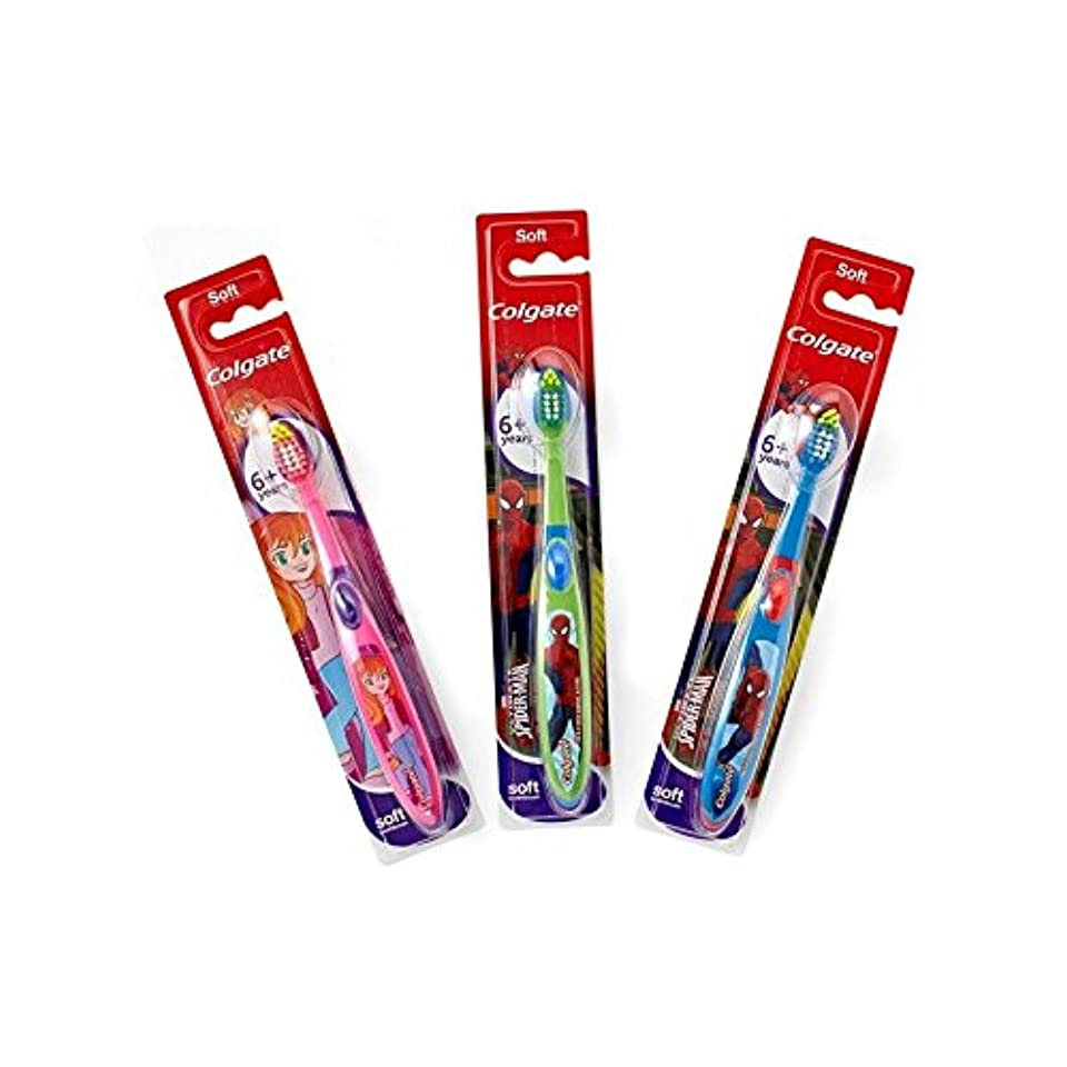 6+年の歯ブラシを笑顔 (Colgate) (x 2) - Colgate Smiles 6+ Years Toothbrush (Pack of 2) [並行輸入品]
