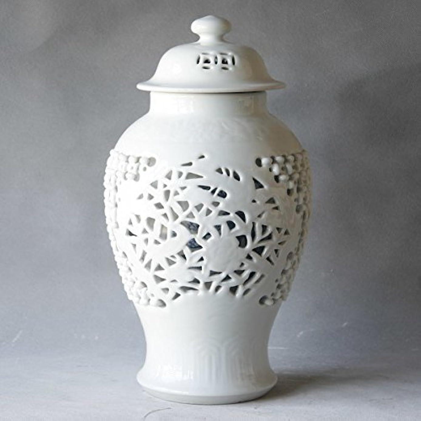 泥沼サミュエルあえぎアジアTraditional ChineseセラミックホワイトCarvedノット魅力的なTemple Jar