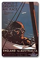 22cm x 30cmヴィンテージハワイアンティンサイン - オーストラリアイングランド - マックロバートソントロフィーのための世界最大のエアレース、ビクトリア朝、メルボルンセンテナリー - ビンテージな世界旅行のポスター によって作成された パーシー・トロンプフ c.1934