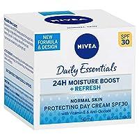 Nivea Daily Essentials Light Moisturising Day Cream Normal & Combination Skin.