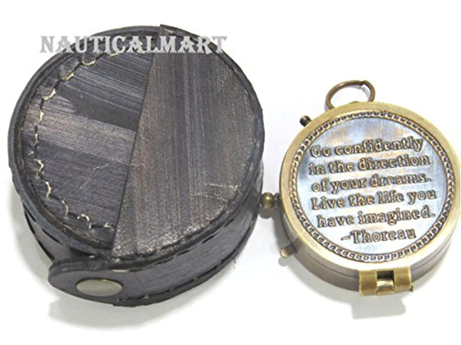フェンスタイト伝統的NAUTICALMART Horeau 's Go Confidently真鍮詩ポケットコンパス、美しいレザーケース