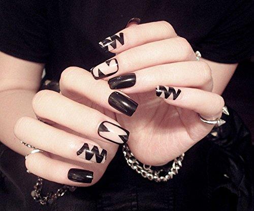 ネイルチップ・つけ爪 ブラック・ホワイト