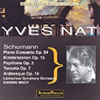Plays Schumann 1933