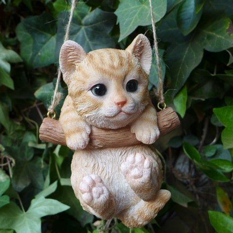 猫の置物 エンジョイブランコ 茶トラ 67QY キャット ガーデンオブジェ CAT 動物 オーナメント ネコ 雑貨 ガーデン オブジェ ガーデニング