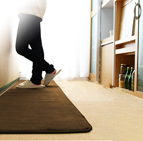 NEWSHONE カーペットラグ 絨毯 キッチンマット 年間使用 フランネル マイクロファイバー ウレタンマット 洗える 静電気防止 ホットカーペット対応 こたつ敷 短毛 掃除易い 手触りが優しい (60cm×240cm, ダックブラウン)