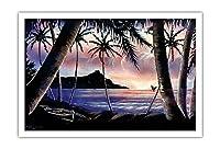 日の出以上のダイヤモンドヘッド - ビンテージなハワイのブラックベルベットアート によって作成された フランク・オダ(ヘイル・プア・スタジオ) c.1940s - アートポスター - 76cm x 112cm