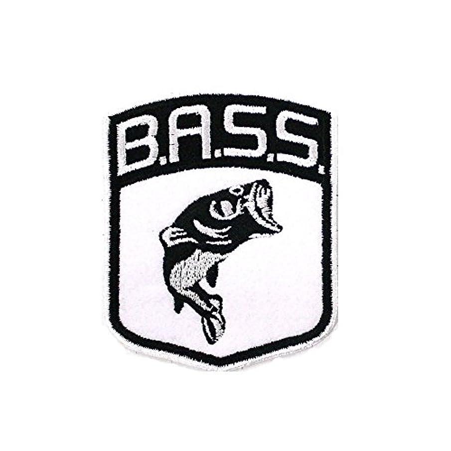 振り向くさようなら津波新しいBass Shieldパッチ釣りエンブレム服キャップ帽子バッジ2.56