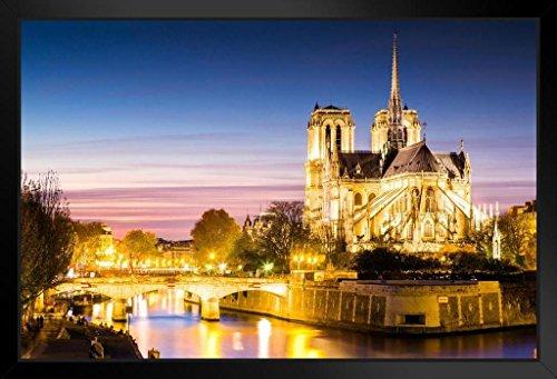 ノートルダム大聖堂夕暮れ時パリフランスフォトフレーム付きポスター18?x 12?by proframes 18x12 inches