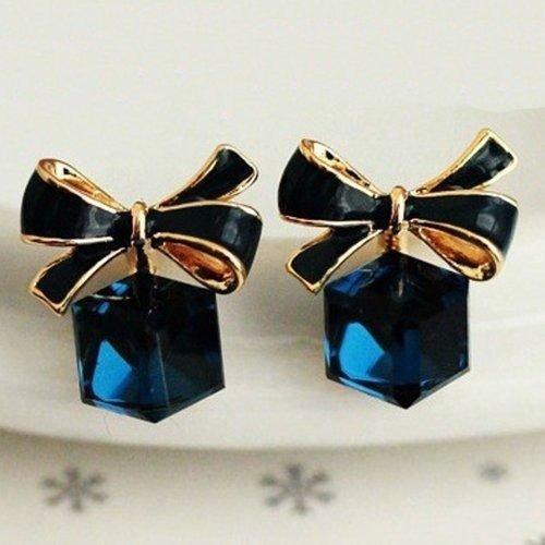 (アリュールショップ) Allure Shop リボン キューブ ビジュー ピアス ブルー サファイア アクセサリー ジュエリー 宝石 アパレル レディース ファッション