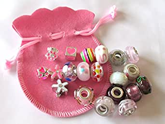 usausaのお店 福袋 ホワイト・ピンク系のガラスランプワークビーズと、エナメルのチャーム(ラインストーン入りを含む) 20種類セット ピンクの巾着付き No.31
