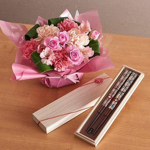 母の日父の日を一緒に贈る「アレンジメントとペアお箸」セット 日比谷花壇 2019年 母の日カード付き
