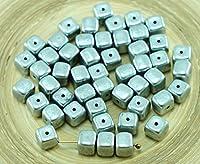 24pcs金属アルミニウムマット銀色のチェコガラスのキューブビーズスペーサー5mm×7mm