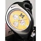 Nike Triax Swift 3iアナログNCAAミシガン州立大学のチーム腕時計–ブラック/ Amarillo–wd0034–005