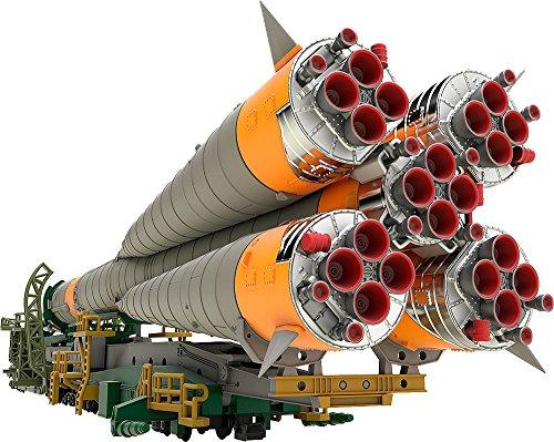 1/150プラスチックモデル ソユーズロケット+搬送列車 1/150スケール...