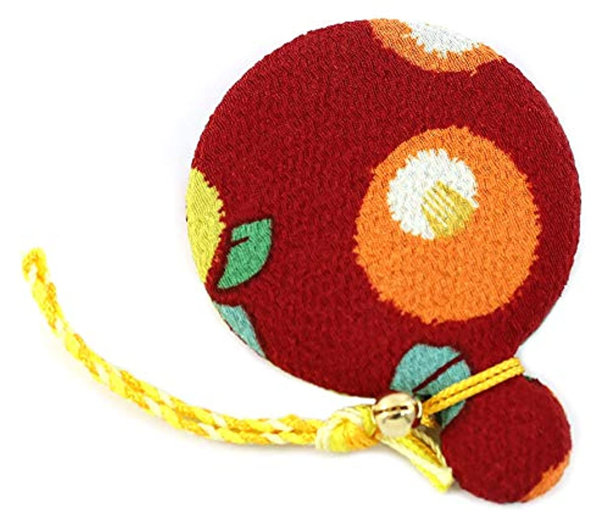 おもてなし休眠アリーナZOON(ズーン) 花ちりめん コンパクトミラー 赤椿 和柄 着物 ちりめん 生地 布製 まる鏡 日本製 お土産 赤椿