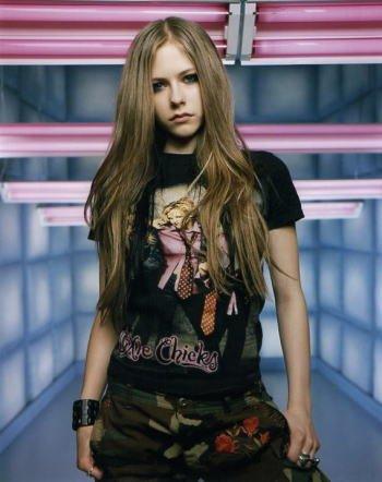 ブロマイド写真★アヴリル・ラヴィーン Avril Lavigne/黒いTシャツ