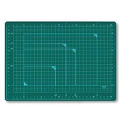 プラス カッターマット カッティングマット 両面 A4 230×320mm グリーン 48-573