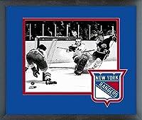 "Eddie Giacomin New York Rangers NHLアクション写真(サイズ: 13"" x 16"" )フレーム入り"