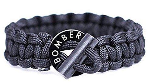 火が起こせる ブレスレット Bomber Firestarter Paracord Bracelet サバイバル ブレスレット アウトドア 災害 緊急時に役立ちます [並行輸入品]
