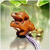 開運根付 木彫りの根付 親子の蛙(かえる)