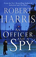 An Officer and a Spy (Carolyn Hart Classics)