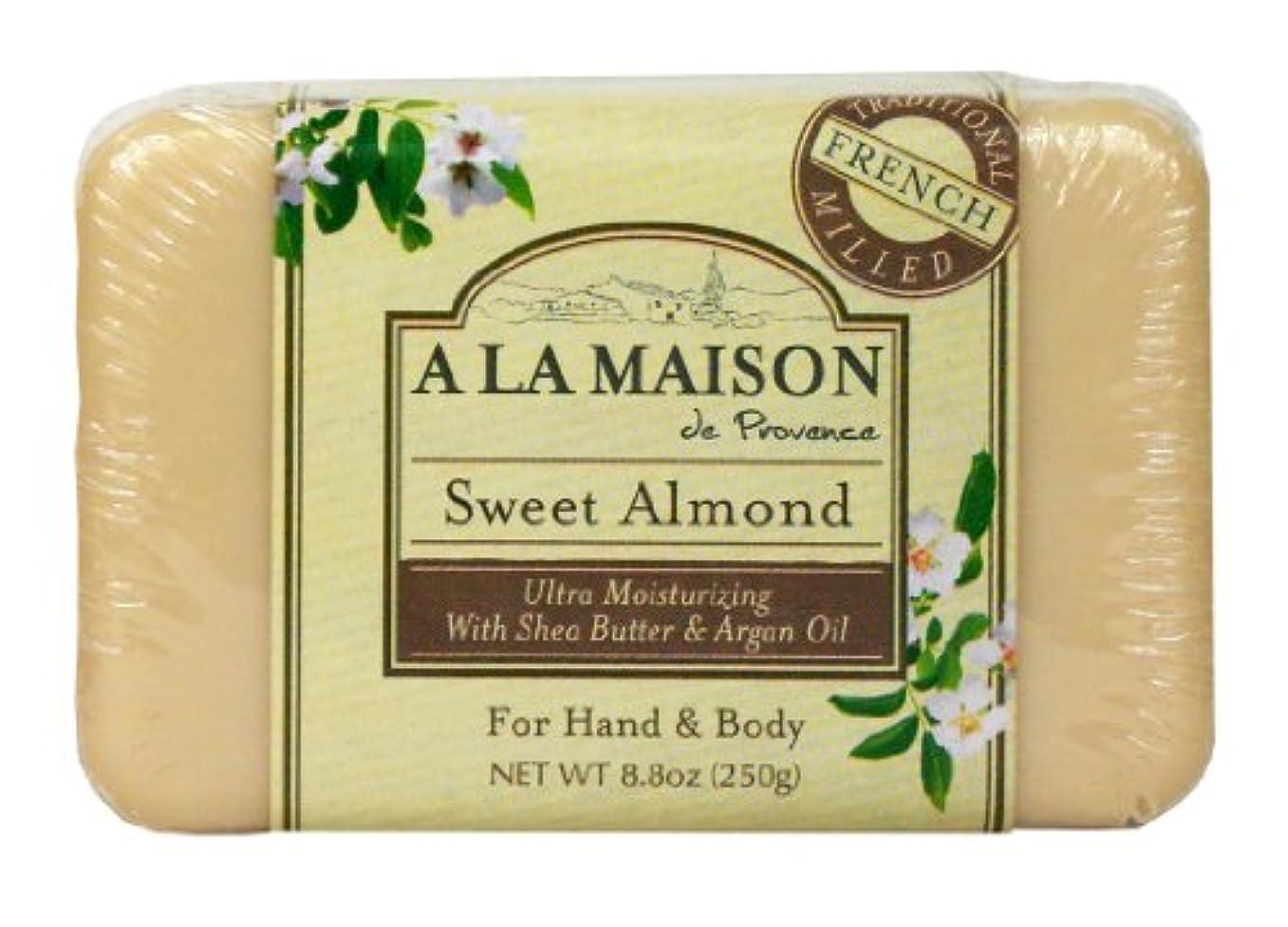 支援ジーンズスクリーチBar Soap Sweet Almond - 8.8 oz by A La Maison