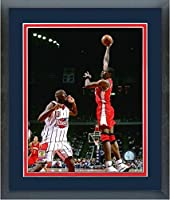 Dikembe Mutombo Atlanta Hawks NBAアクション写真(サイズ: 26.5CM x 30.5CM )フレーム