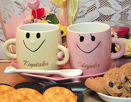 名入り、名入れ、なかよしペアマグカップ(コースター、スプーン付)(アイボリー、ピンク)文字金色着色です。...
