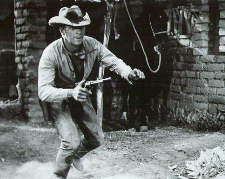 ブロマイド写真★スティーブ・マックイーン『荒野の七人』銃持ち、走る