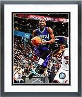 "Kemba Walker Charlotte Hornets NBAアクション写真(サイズ: 18"" x 22"" )フレーム入り"