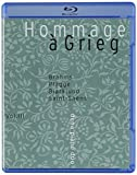 グリーグへのオマージュ ~ ピアノ・デュオのための音楽 第3集 (Hommage a Grieg Vol.III ~ Brahms , Plagge , Bjorklund , Saint-Saens / dena piano duo) [SACD Hybrid + Pure Audio Blu-Ray] [輸入盤]