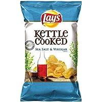 Lay's Kettle Cooked Salt & Vinegar Flavored Potato Chips - 8oz [並行輸入品]