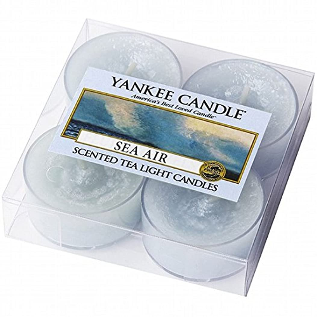 ルーフケーブルレイアヤンキーキャンドル(YANKEE CANDLE) YANKEE CANDLE クリアカップティーライト4個入り 「シーエアー」