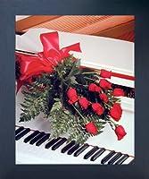 Red Roses On Piano Romantic Musical Instrument壁装飾エスプレッソフレーム入り写真アートプリント( 20x 24)