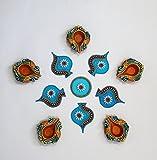 Ramyaの手作り鮮やかなRangoli with a Set of 5Diyas ( 7281W )