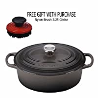 Le creüset 2 ¾ -quart Oval Dutch Oven、オイスターwithナイロンブラシ3.25 Cerise、ギフトwith Purchase