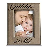 """BELLA BUSTA - Daddy and Me Picture Frame- Dad Gift from Kids Modern Picture Frame(4""""x 6"""" Vertical (Daddy)) [並行輸入品]"""