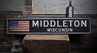 ミドルトン、ウィスコンシン–素朴な手作りヴィンテージアンティーク調木製米国フラグサイン 3) 9.25 x 48 Inches ブラック WOOD-ENS1000559BLK-16911-D0417-948