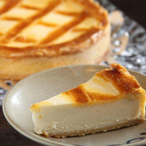 トロイカ 「チーズから手づくりの幻のチーズケーキ ベークドチーズケーキ 7号(12人分)」