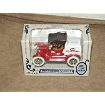 Ertl 1/25 Scale Die Cast Metal 1918 Ford Runabout Delivery Car Bank IGA [並行輸入品]