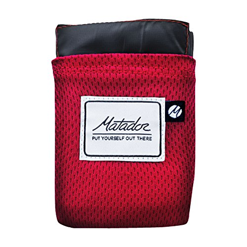 Matador Pocket Blanket 2.0 New Version, Picnic, Beach, Hiking, Camping. Water Resistant with Built-in Ground Stakes (Original Red) 141[並行輸入]