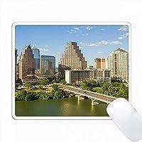 アメリカ、オースティン、テキサス、ダウンタウンスカイライン、コロラド川、バットブリッジ。 PC Mouse Pad パソコン マウスパッド