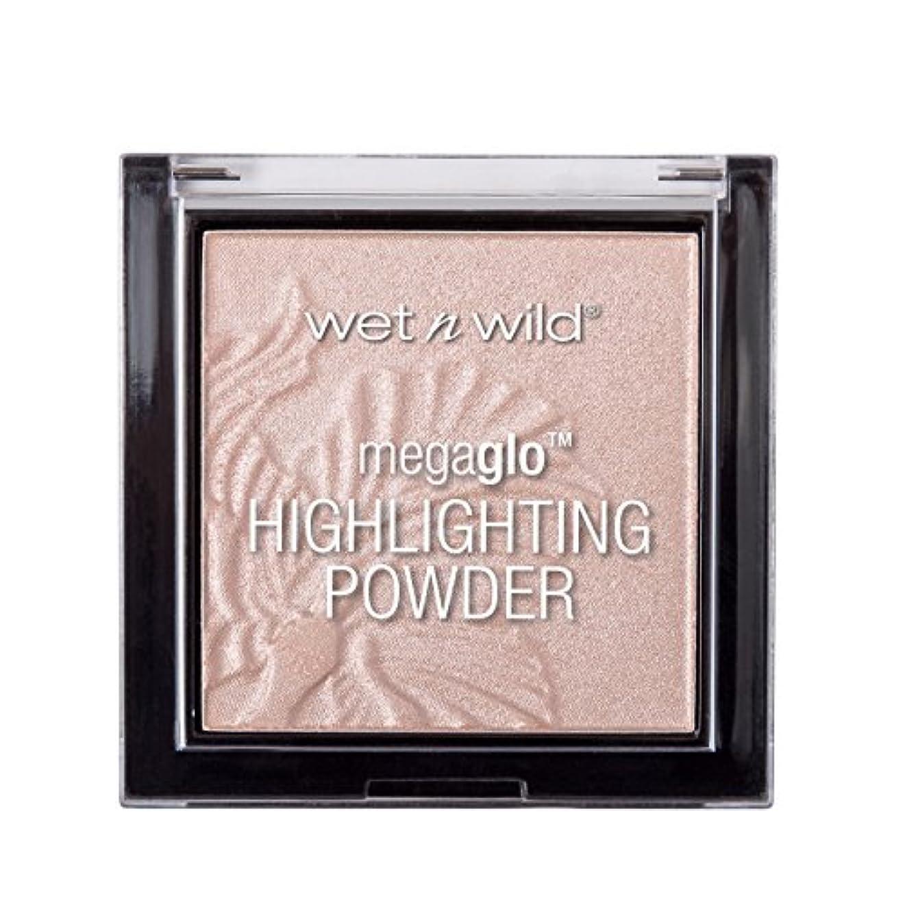 ウィスキーせがむ優先権WET N WILD MegaGlo Highlighting Powder - Blossom Glow (並行輸入品)