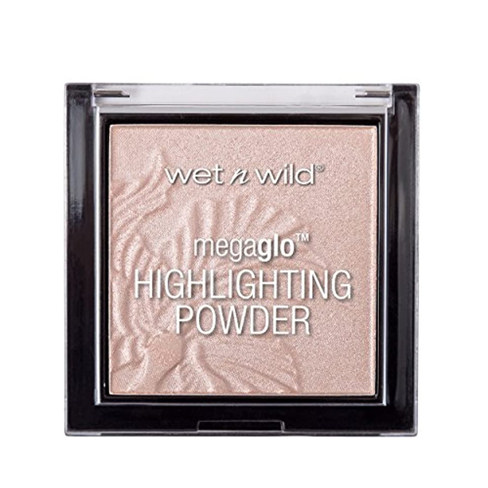 知恵追加するビールWET N WILD MegaGlo Highlighting Powder - Blossom Glow (並行輸入品)