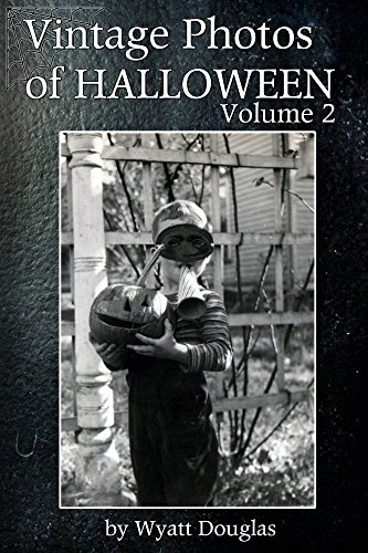 Vintage Halloween Photos Volume 2 (English Edition)